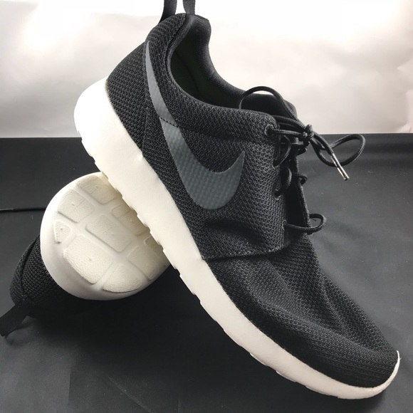 newest 04747 3eb86 Nike Roshe Run One black sail men's
